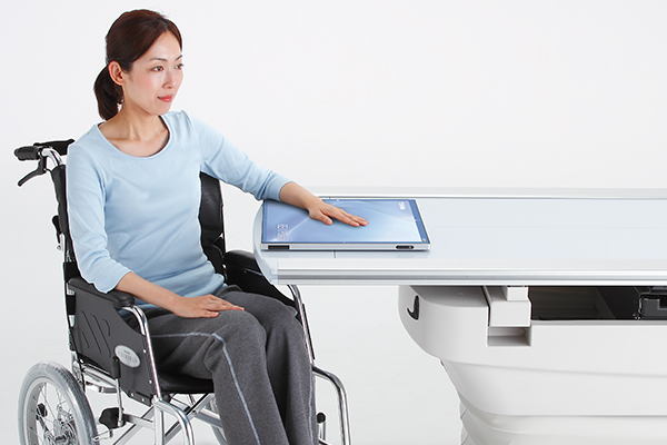 Wheel Chair Examination with RexPanel Wireless Detector